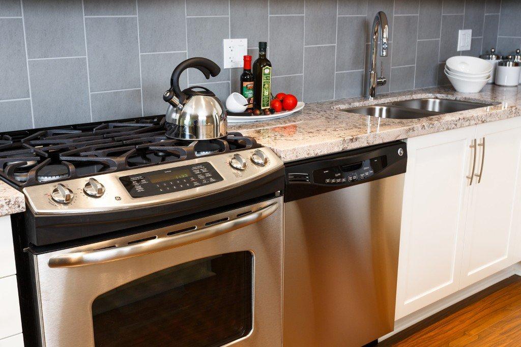 Photo 6: Photos: # 311 15428 31ST AV in Surrey: Grandview Surrey Condo for sale (South Surrey White Rock)  : MLS®# F1422420