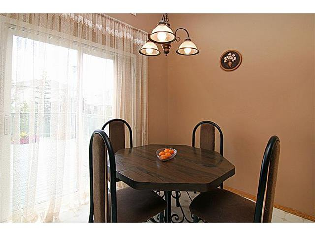 Photo 10: Photos: 142 SHAWBROOKE Green SW in Calgary: Shawnessy House for sale : MLS®# C4019176