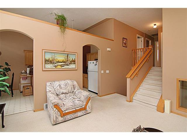 Photo 5: Photos: 142 SHAWBROOKE Green SW in Calgary: Shawnessy House for sale : MLS®# C4019176