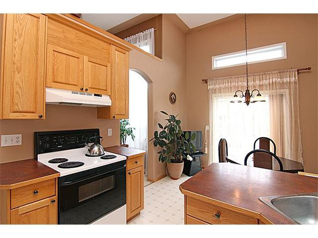 Photo 6: Photos: 142 SHAWBROOKE Green SW in Calgary: Shawnessy House for sale : MLS®# C4019176