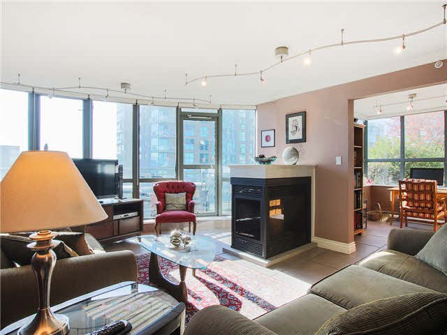 """Main Photo: 703 1128 QUEBEC Street in Vancouver: Mount Pleasant VE Condo for sale in """"The National"""" (Vancouver East)  : MLS®# V1138628"""
