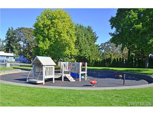 Main Photo: 14 2771 Spencer Road in VICTORIA: La Langford Proper Townhouse for sale (Langford)  : MLS®# 359111