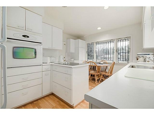 Photo 6: Photos: 4925 QUEENSLAND Road in Vancouver: University VW House for sale (Vancouver West)  : MLS®# R2027458