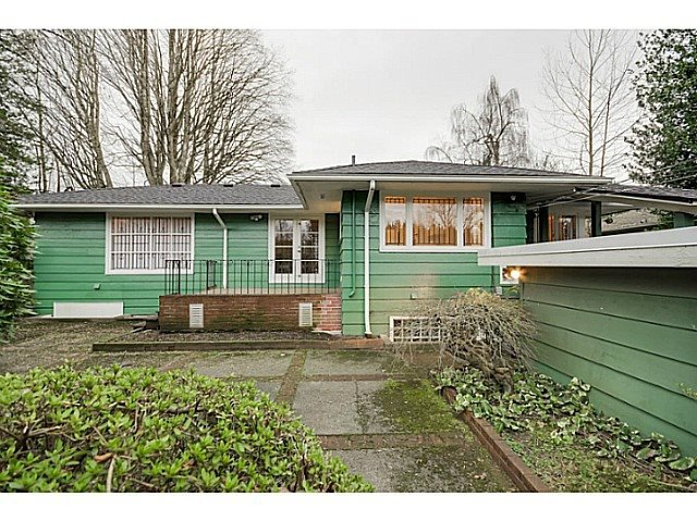Photo 2: Photos: 4925 QUEENSLAND Road in Vancouver: University VW House for sale (Vancouver West)  : MLS®# R2027458