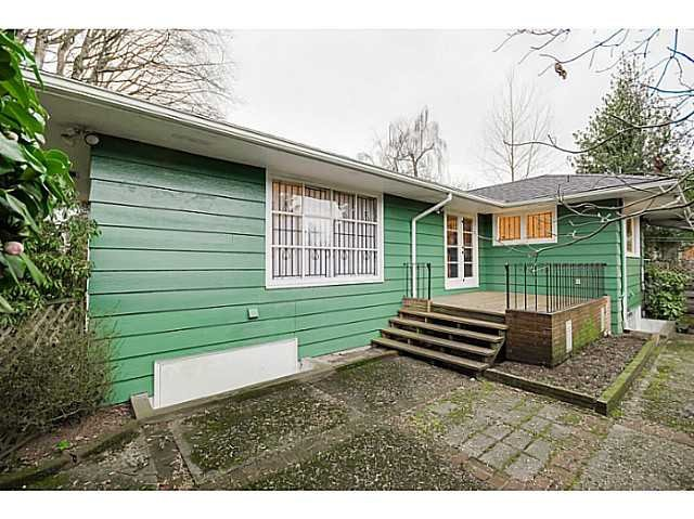 Photo 3: Photos: 4925 QUEENSLAND Road in Vancouver: University VW House for sale (Vancouver West)  : MLS®# R2027458
