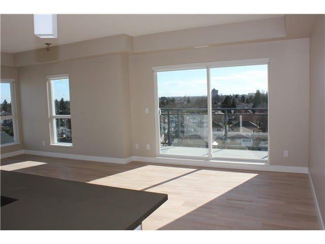 Main Photo: 705 10033 RIVER DRIVE in : Bridgeport RI Condo for sale : MLS®# V1073519
