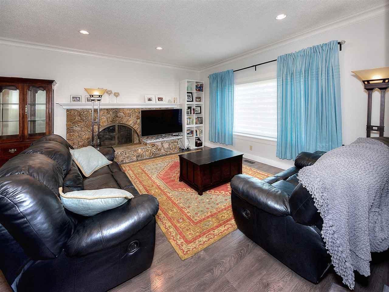 Photo 2: Photos: 1067 WILMINGTON Drive in Delta: Tsawwassen Central House for sale (Tsawwassen)  : MLS®# R2090180