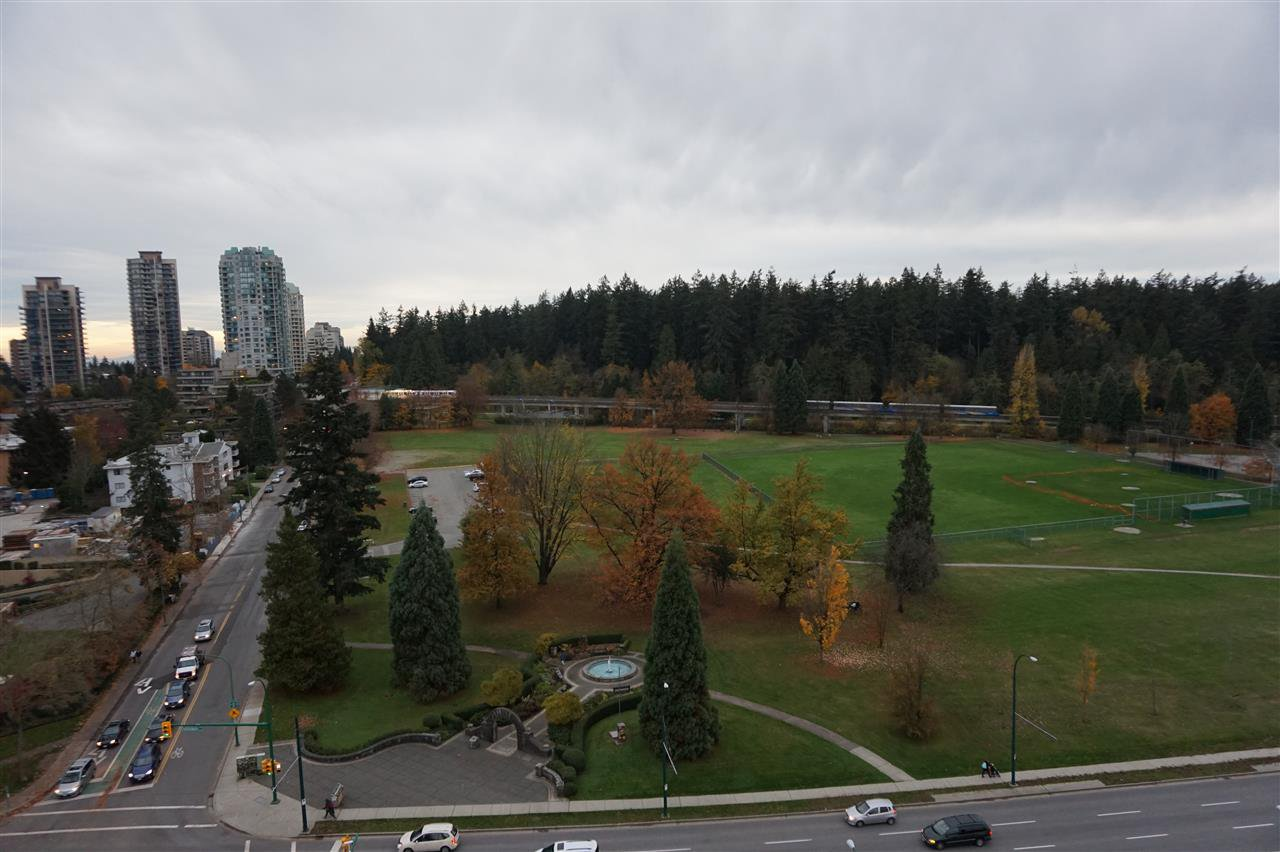 "Main Photo: 1604 5652 PATTERSON Avenue in Burnaby: Central Park BS Condo for sale in ""CENTRAL PARK PLACE"" (Burnaby South)  : MLS®# R2121297"