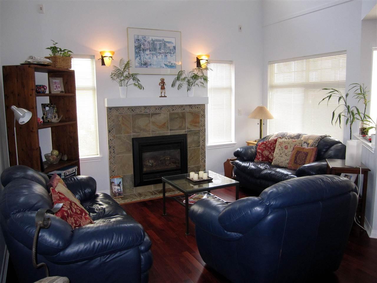 "Photo 3: Photos: 14 23343 KANAKA Way in Maple Ridge: Cottonwood MR Townhouse for sale in ""COTTONWOOD GROVE"" : MLS®# R2164779"