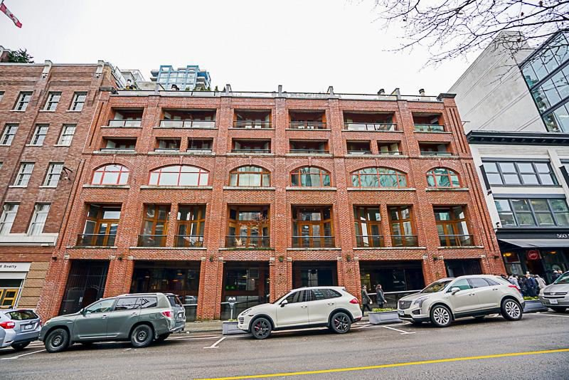 """Main Photo: 5-3 550 BEATTY Street in Vancouver: Downtown VW Condo for sale in """"550 BEATTY"""" (Vancouver West)  : MLS®# R2165653"""