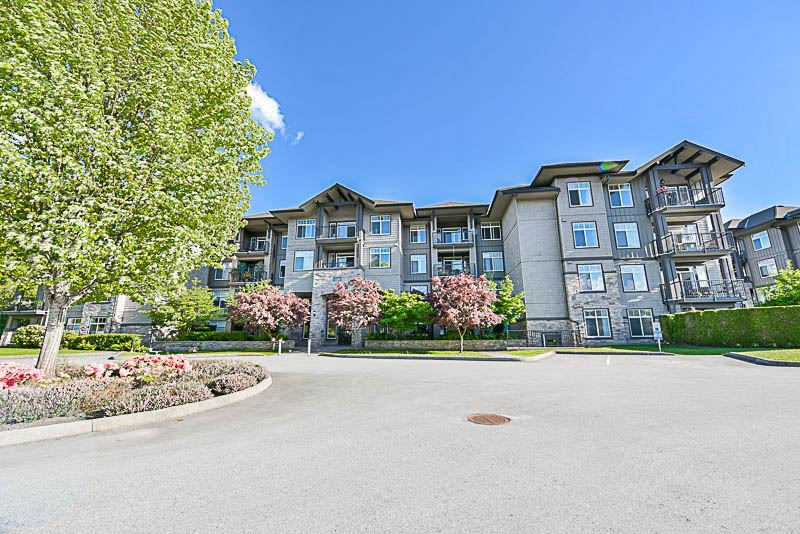 Main Photo: 410 12268 224 STREET in Maple Ridge: East Central Condo for sale : MLS®# R2169452