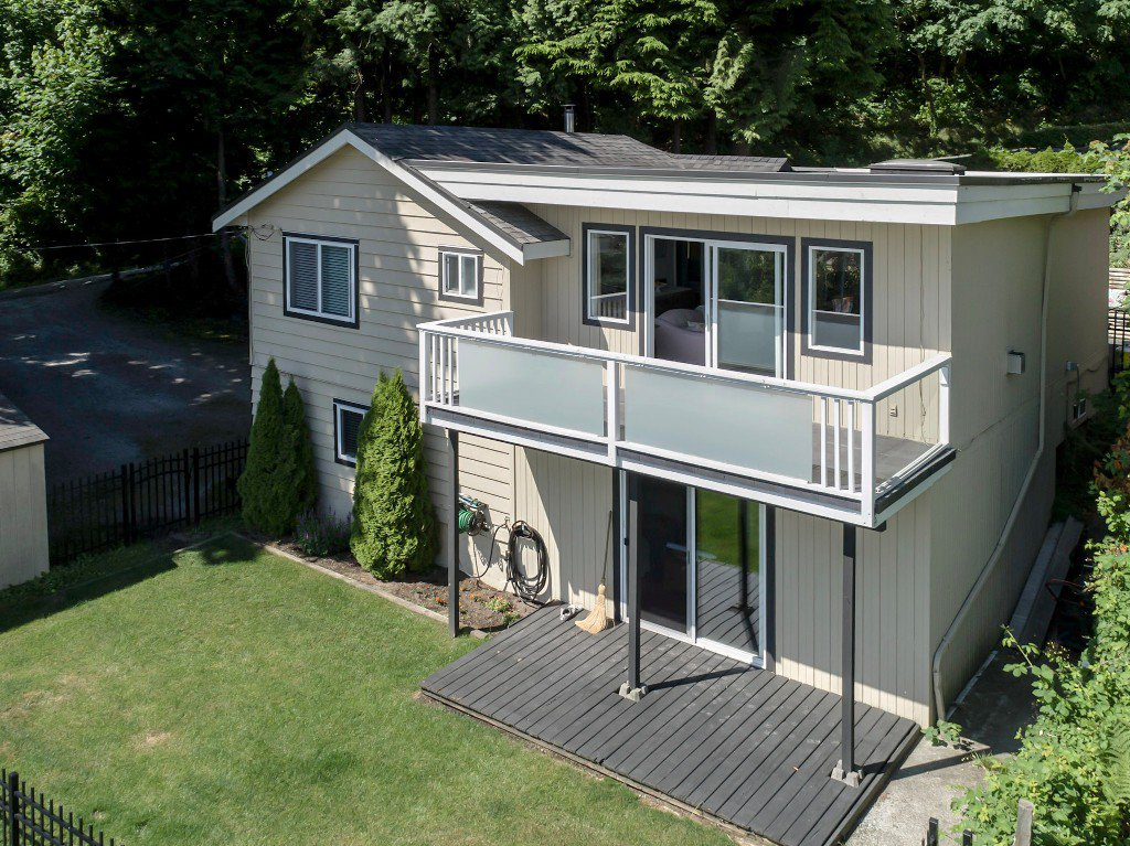 Main Photo: 1623 GORE Street in Port Moody: College Park PM House for sale : MLS®# R2186517