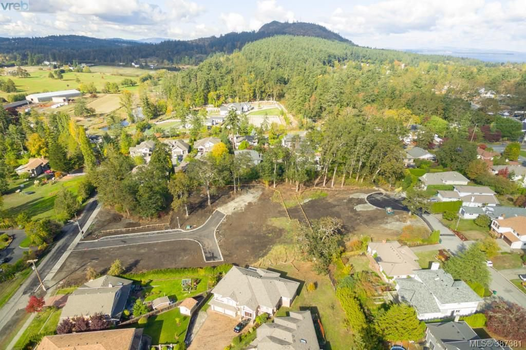 Main Photo: 1430 Payton Place in VICTORIA: SE Blenkinsop Land for sale (Saanich East)  : MLS®# 387381