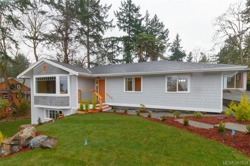 Main Photo: 4729 Carloss Place in VICTORIA: SE Cordova Bay Single Family Detached for sale (Saanich East)  : MLS®# 387814