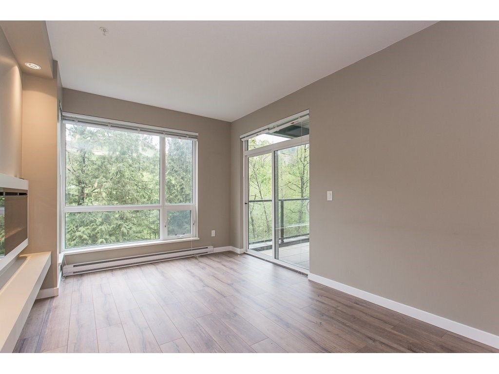 "Photo 9: Photos: 104 2238 WHATCOM Road in Abbotsford: Abbotsford East Condo for sale in ""Waterleaf"" : MLS®# R2260128"