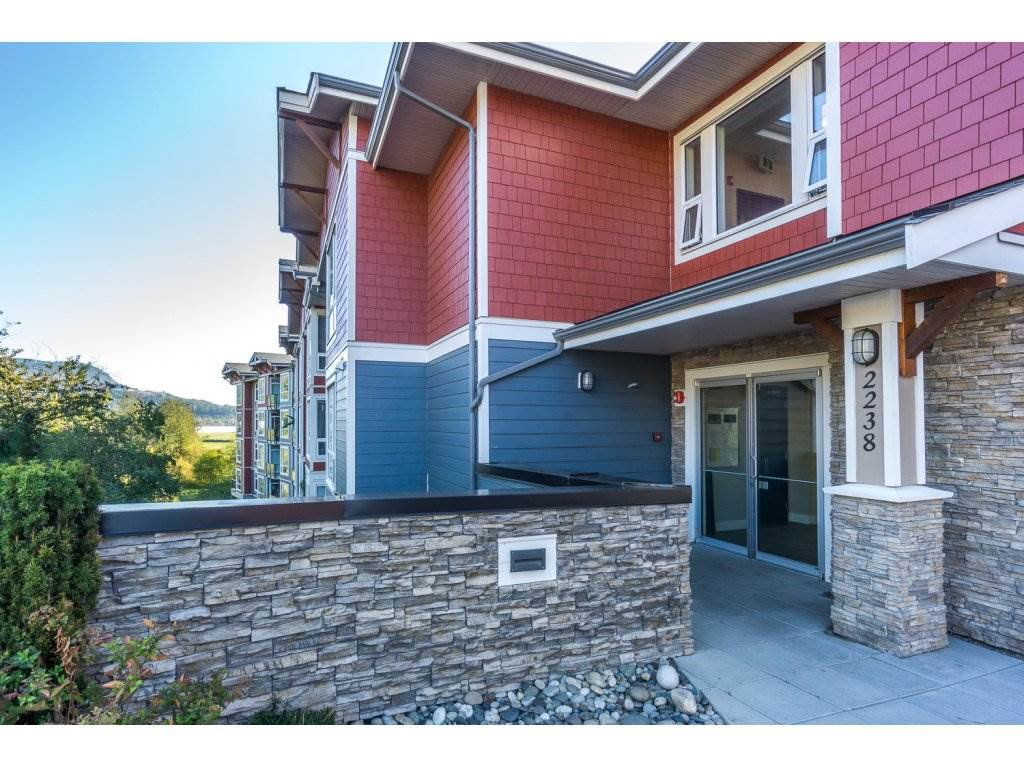 "Photo 2: Photos: 104 2238 WHATCOM Road in Abbotsford: Abbotsford East Condo for sale in ""Waterleaf"" : MLS®# R2260128"