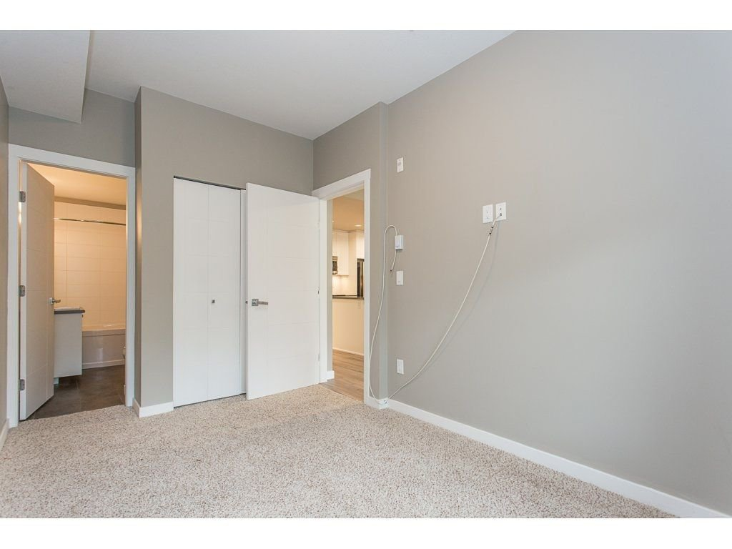 "Photo 17: Photos: 104 2238 WHATCOM Road in Abbotsford: Abbotsford East Condo for sale in ""Waterleaf"" : MLS®# R2260128"