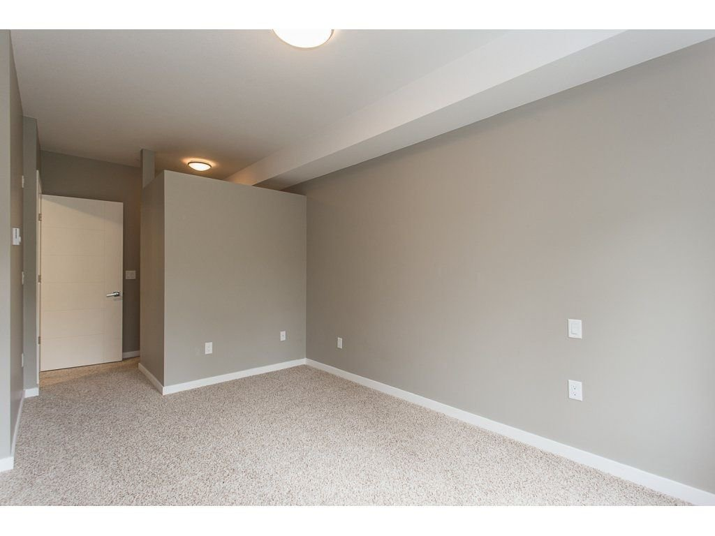 "Photo 13: Photos: 104 2238 WHATCOM Road in Abbotsford: Abbotsford East Condo for sale in ""Waterleaf"" : MLS®# R2260128"