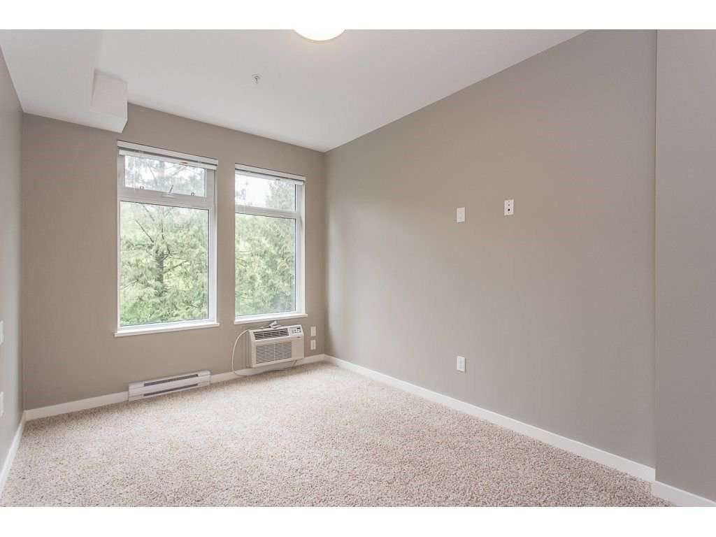 "Photo 12: Photos: 104 2238 WHATCOM Road in Abbotsford: Abbotsford East Condo for sale in ""Waterleaf"" : MLS®# R2260128"