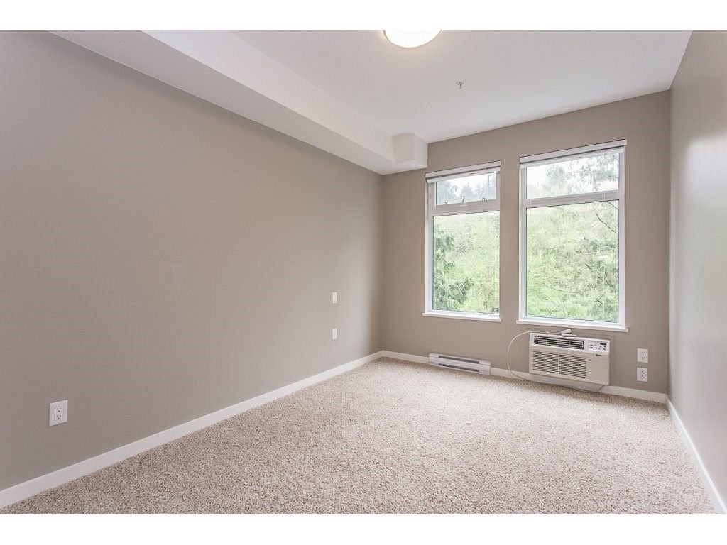 "Photo 11: Photos: 104 2238 WHATCOM Road in Abbotsford: Abbotsford East Condo for sale in ""Waterleaf"" : MLS®# R2260128"