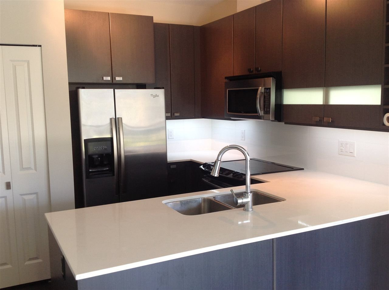"""Photo 3: Photos: 303 5655 210A Street in Langley: Salmon River Condo for sale in """"CORNERSTONE NORTH"""" : MLS®# R2267414"""