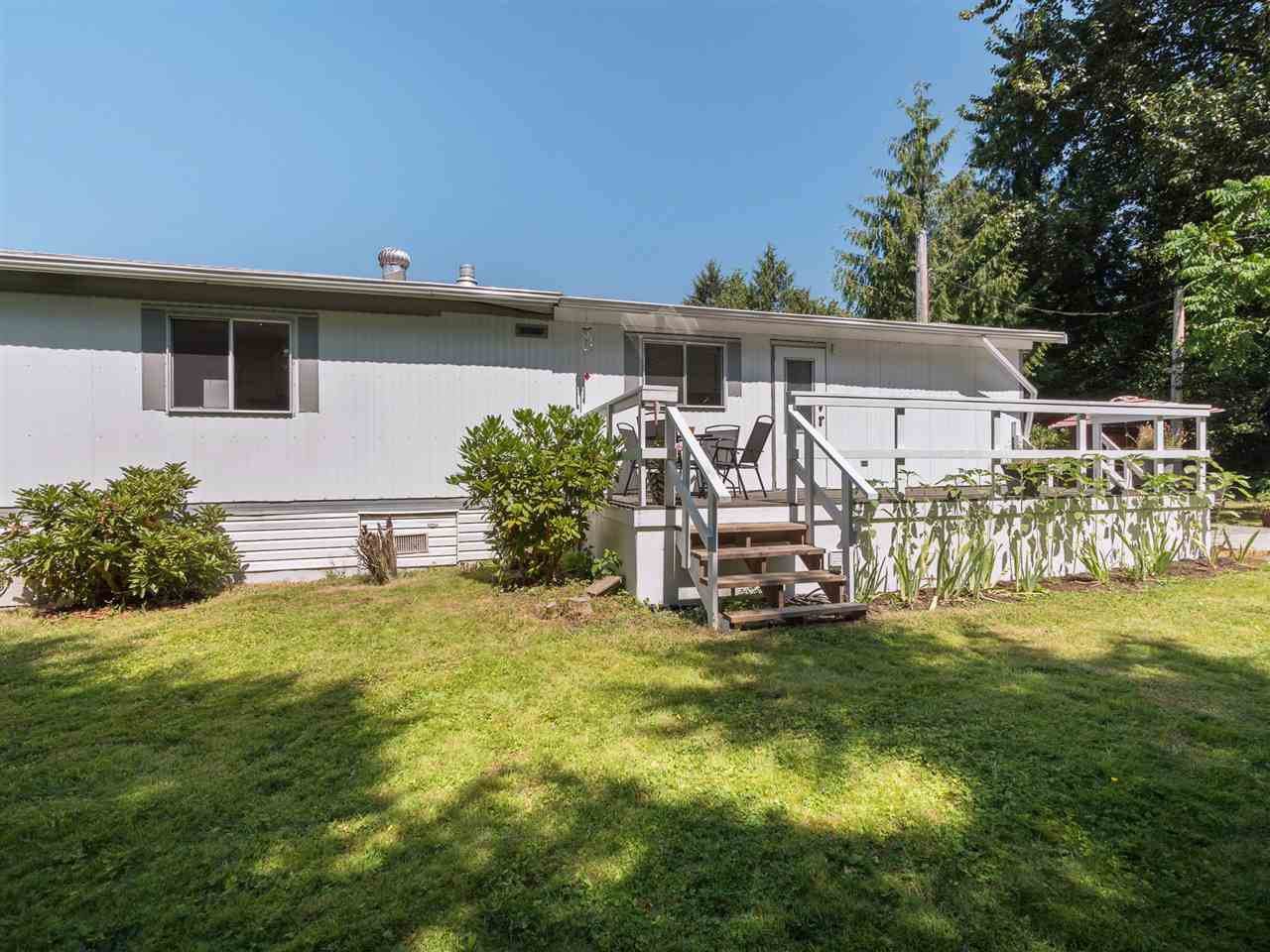 "Photo 19: Photos: 32 12868 229 Street in Maple Ridge: East Central Manufactured Home for sale in ""Alouette Retirement Village"" : MLS®# R2294039"