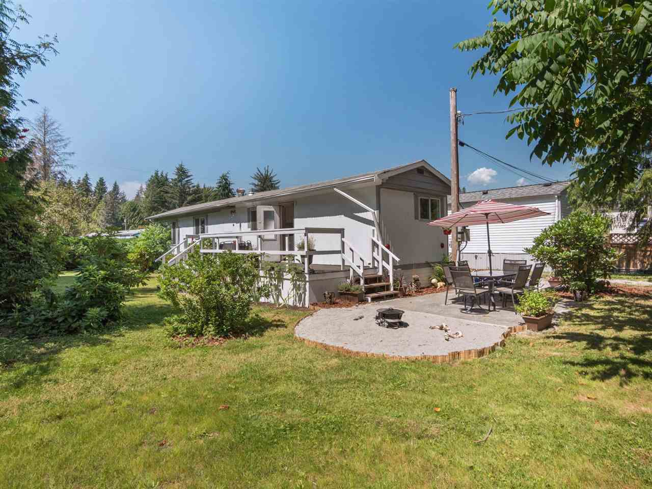 "Photo 15: Photos: 32 12868 229 Street in Maple Ridge: East Central Manufactured Home for sale in ""Alouette Retirement Village"" : MLS®# R2294039"