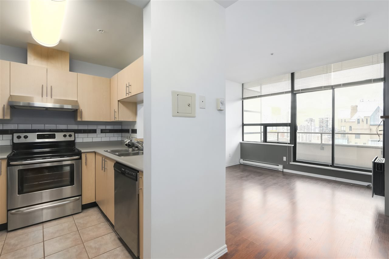 "Main Photo: 1010 1010 HOWE Street in Vancouver: Downtown VW Condo for sale in ""FORTUNE HOUSE"" (Vancouver West)  : MLS®# R2357944"