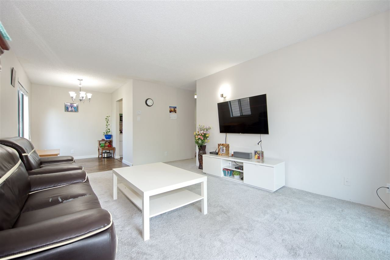 "Main Photo: 202 8511 ACKROYD Road in Richmond: Brighouse Condo for sale in ""Lexington Square"" : MLS®# R2376056"