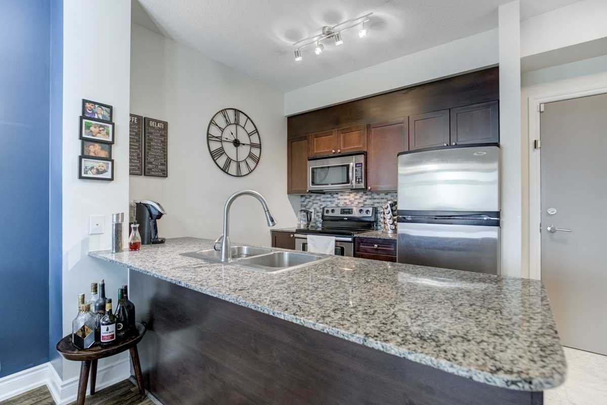 Photo 5: Photos: 2707 3525 Kariya Drive in Mississauga: City Centre Condo for sale : MLS®# W4497066