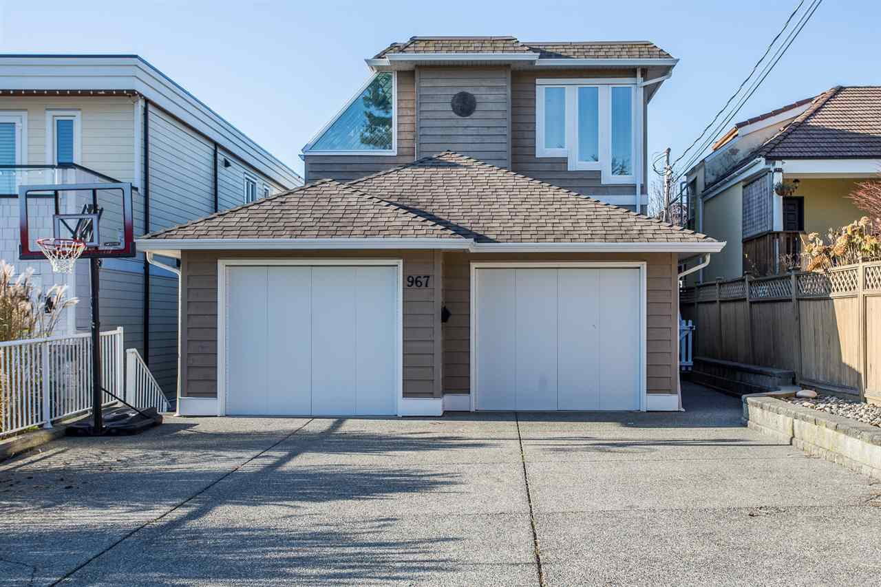 Main Photo: 967 STEVENS Street: White Rock House for sale (South Surrey White Rock)  : MLS®# R2421809