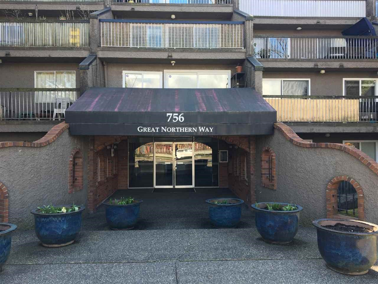 """Main Photo: 809 756 GREAT NORTHERN Way in Vancouver: Mount Pleasant VE Condo for sale in """"PACIFIC TERRACE"""" (Vancouver East)  : MLS®# R2447788"""