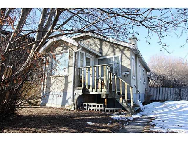 Main Photo: 140 27 Avenue NE in CALGARY: Tuxedo Residential Detached Single Family for sale (Calgary)  : MLS®# C3603482