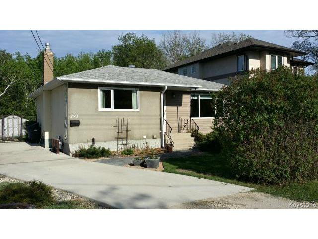 Main Photo: 793 Charleswood Road in WINNIPEG: Charleswood Residential for sale (South Winnipeg)  : MLS®# 1412671