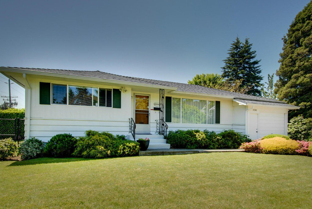Main Photo: 15590 17A Avenue in Surrey: King George Corridor House for sale (South Surrey White Rock)  : MLS®# F1414670