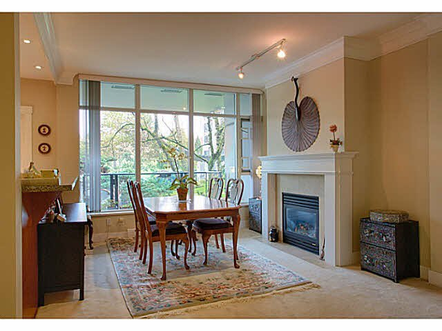 """Photo 4: Photos: 216 4685 VALLEY Drive in Vancouver: Quilchena Condo for sale in """"MARGUERITE HOUSE I"""" (Vancouver West)  : MLS®# V1103814"""