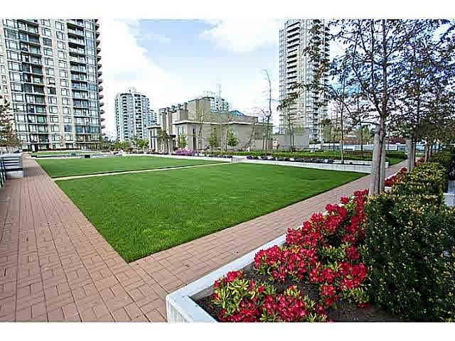 """Photo 16: Photos: 1404 4178 DAWSON Street in Burnaby: Brentwood Park Condo for sale in """"TANDEM"""" (Burnaby North)  : MLS®# V1117379"""
