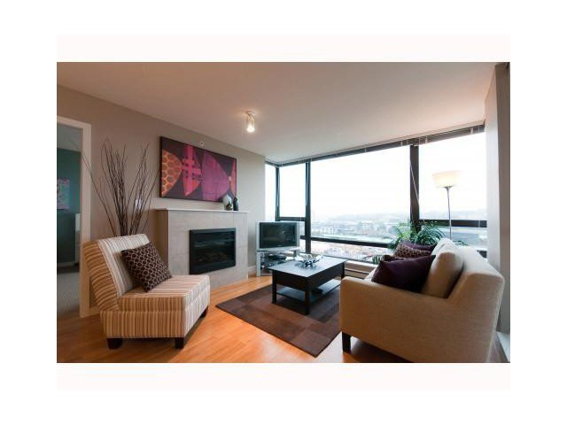 """Photo 2: Photos: 1404 4178 DAWSON Street in Burnaby: Brentwood Park Condo for sale in """"TANDEM"""" (Burnaby North)  : MLS®# V1117379"""