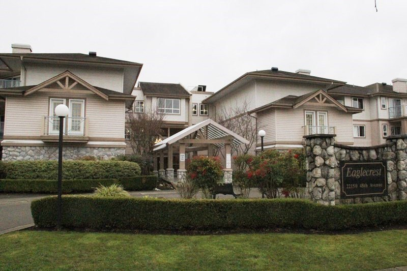 """Main Photo: 324 22150 48 Avenue in Langley: Murrayville Condo for sale in """"EagleCrest"""" : MLS®# R2033056"""