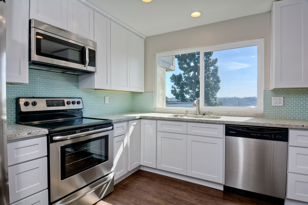 Main Photo: MISSION VALLEY Townhouse for sale : 3 bedrooms : 6318 Caminito Andreta in San Diego