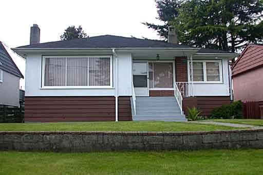 Main Photo: 3326 E 43RD AVENUE in : Killarney VE House for sale : MLS®# V336760