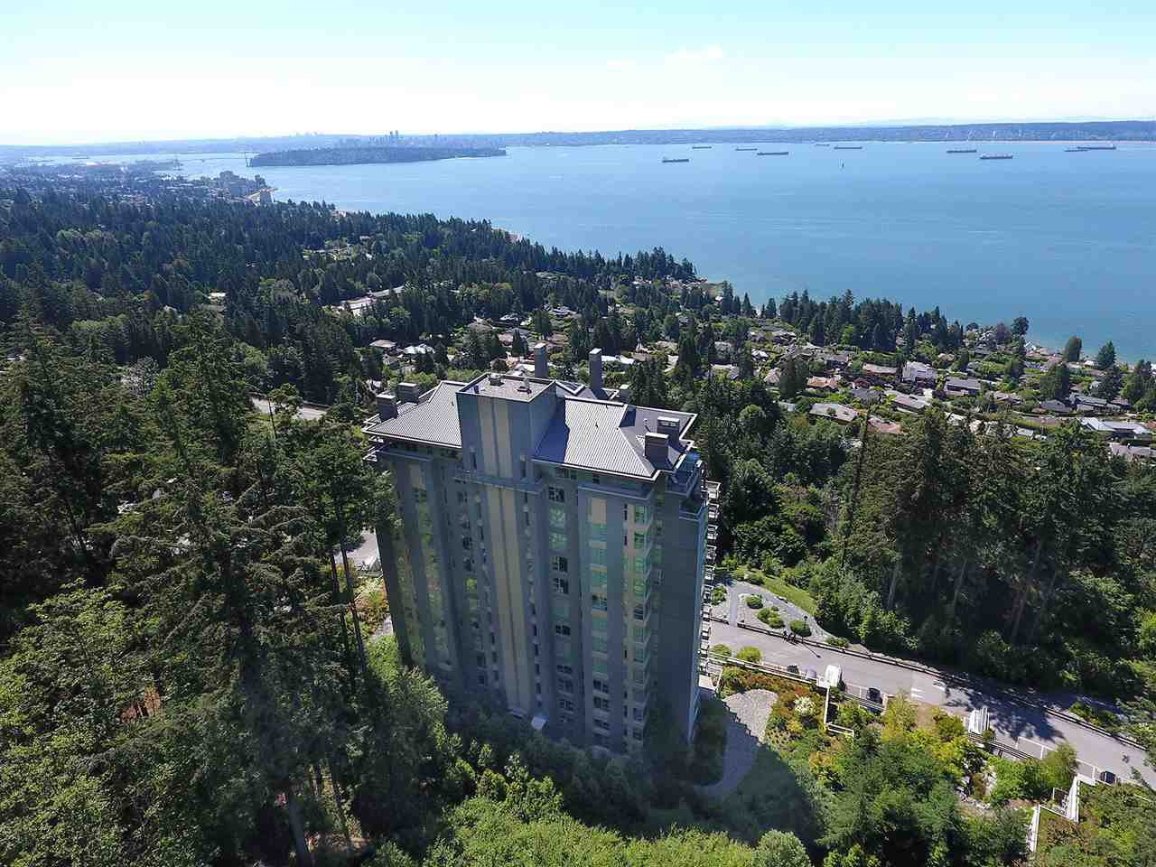"""Main Photo: 503 3335 CYPRESS Place in West Vancouver: Cypress Park Estates Condo for sale in """"STONECLIFF"""" : MLS®# R2083628"""