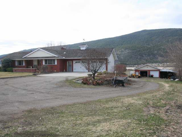 Photo 13: Photos: 8549 YELLOWHEAD HIGHWAY in : Heffley House for sale (Kamloops)  : MLS®# 138110