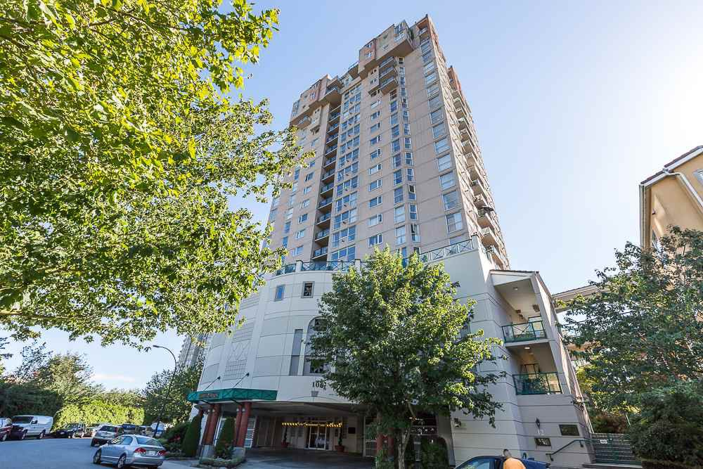"""Main Photo: 1605 10 LAGUNA Court in New Westminster: Quay Condo for sale in """"LAGUNA COURT"""" : MLS®# R2155689"""