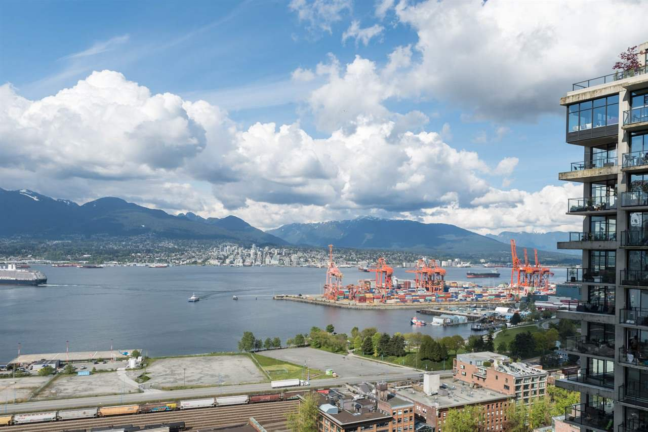 """Main Photo: 2906 128 W CORDOVA Street in Vancouver: Downtown VW Condo for sale in """"WOODWARD'S"""" (Vancouver West)  : MLS®# R2167108"""