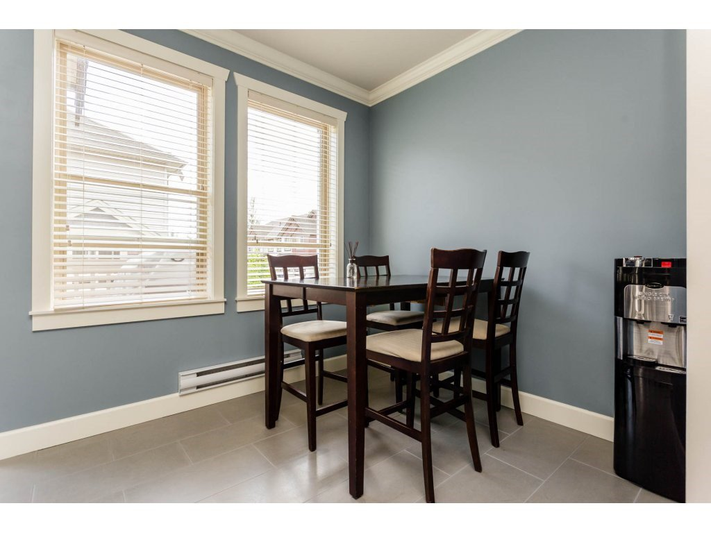 "Photo 6: Photos: 8 19560 68TH Avenue in Surrey: Clayton Townhouse for sale in ""SOLANA"" (Cloverdale)  : MLS®# R2179592"
