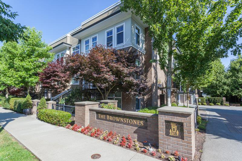 """Main Photo: 84 15833 26 Avenue in Surrey: Grandview Surrey Townhouse for sale in """"BROWNSTONES"""" (South Surrey White Rock)  : MLS®# R2187531"""