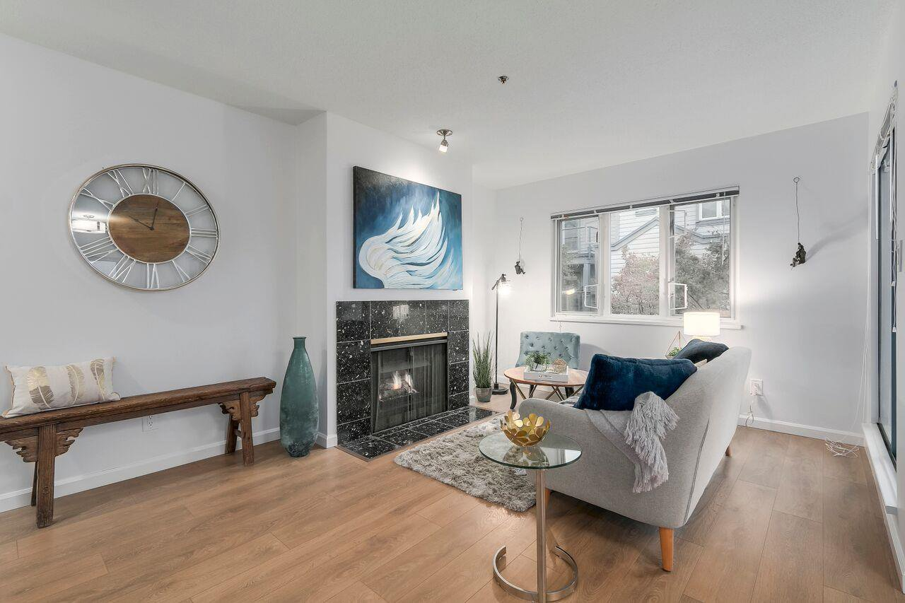 """Main Photo: 207 643 W 7TH Avenue in Vancouver: Fairview VW Condo for sale in """"The Courtyards"""" (Vancouver West)  : MLS®# R2216272"""