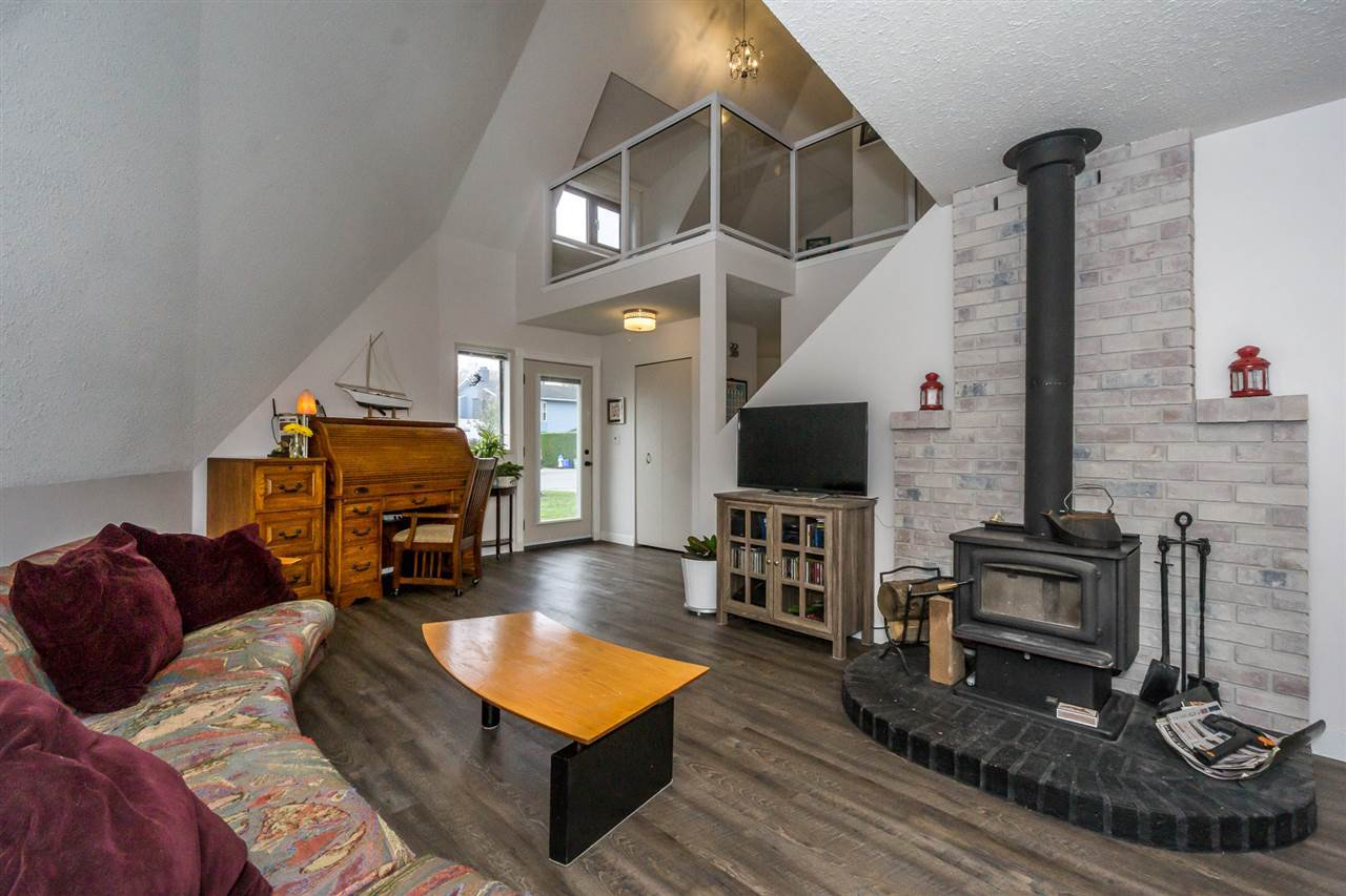 Photo 3: Photos: 33443 KINGSLEY Terrace in Abbotsford: Poplar House for sale : MLS®# R2218731
