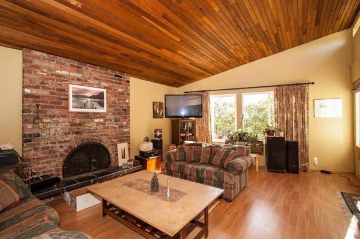 "Photo 3: Photos: 301 N DOLLARTON Highway in North Vancouver: Dollarton House for sale in ""DOLLARTON"" : MLS®# R2308874"